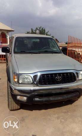 Toks Toyota Tacoma accident free full A C very clean truck Ibadan South West - image 5
