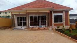 A four bedroom standalone house for rent in kiira