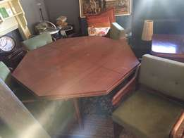 BARGAIN! Dining Room Suite