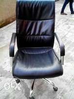 G5 Good Quality Exotic Leather Office Swivel Chair (New)