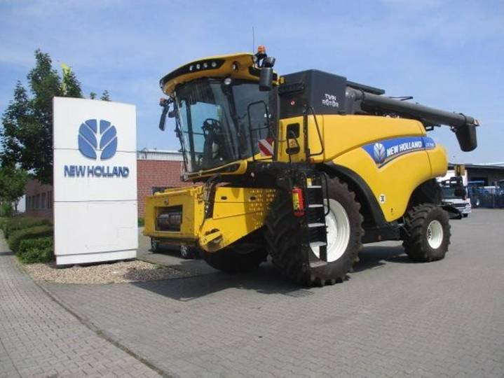 New Holland cr 7.90 - 2017