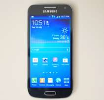 Mint Samsung S4 Mini with Charger
