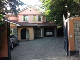 4 br executive townhouse on 1/2 acre in kitengela