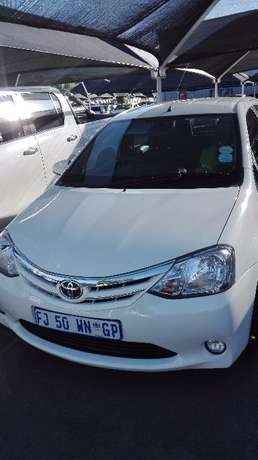 Toyota Etios 1.5 Xs Hatch 2016 with Full Service History Midrand - image 1