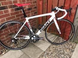 Giant TCR Advanced Carbon Road Bike - Full Shimano 11 Speed