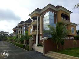 5 bedroom of 6 units on 8000 Sqm