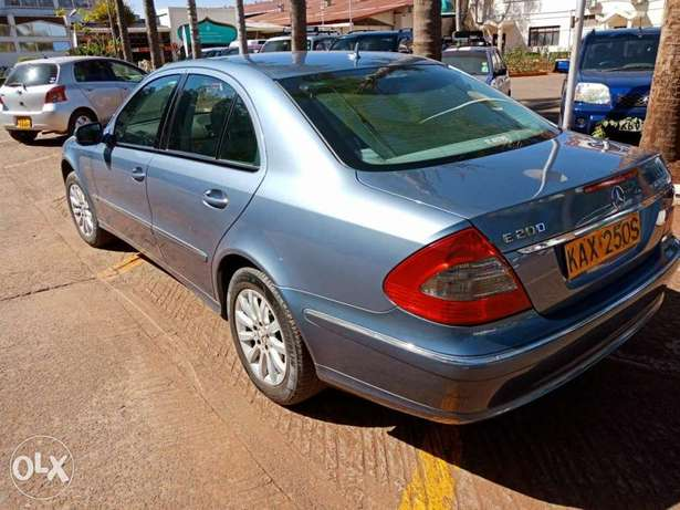2007 Mercedes-Benz E200 LOCAL Parklands - image 2