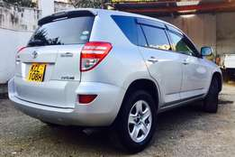 Toyota RAV4 2010 fully loaded 4wd at an amazing deal 2,099,999/=o.n.o