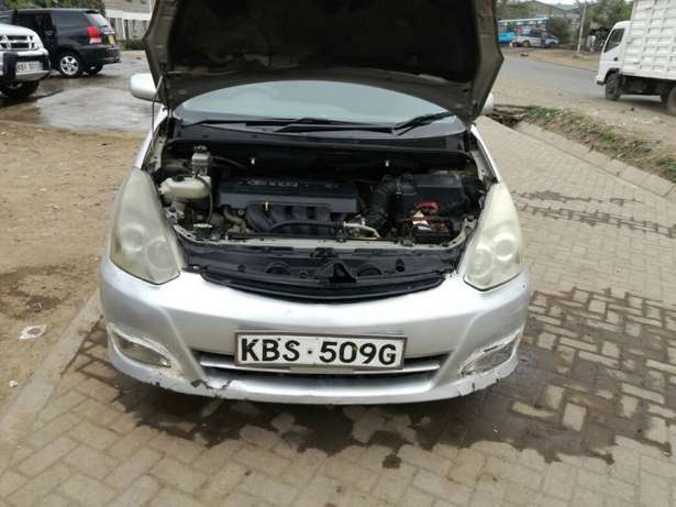 Quick sale! Toyota Wish KBS available at 670k asking price! Nairobi CBD - image 6