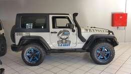 2010 Jeep wrangler 3.8 with extras