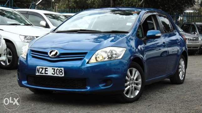 toyota auris 2010 model1500 cc fully loaded Parklands - image 1
