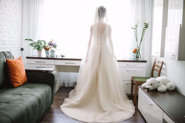 Весільна сукня  8 000 грн. - Весільні сукні Львів на Olx 8130fe2279623