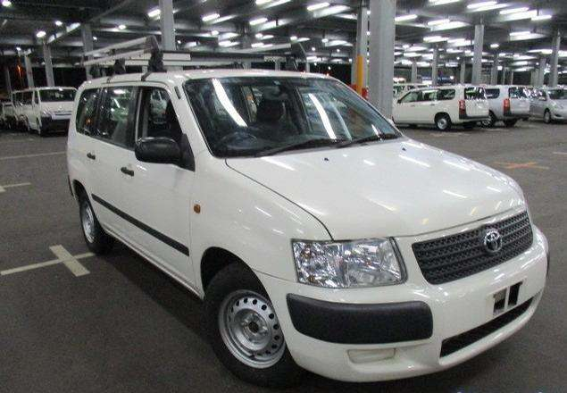 buy this lovely Toyota Succeed 2011 on special offer Nairobi CBD - image 2