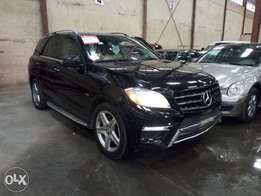 Extremely Clean 2012 Mercedes Benz ML550 4matic