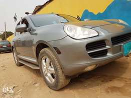 Few weeks used porsche cayenne 2005 best of its kind