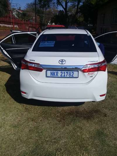 Toyota For Sale By Owner >> White Toyota Corolla 2015 Model 4 Sale By Owner