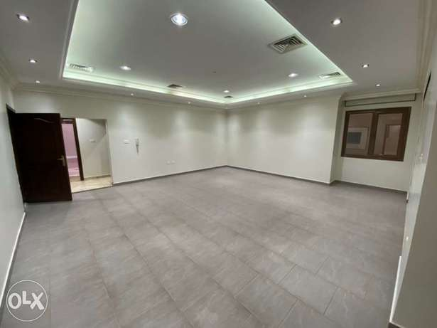 villa floor for rent in mangaf area 4