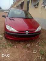 Clean Peugeot 206 for immediate grab