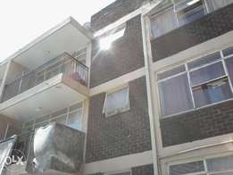 2bedroom flat with balcony R290 000