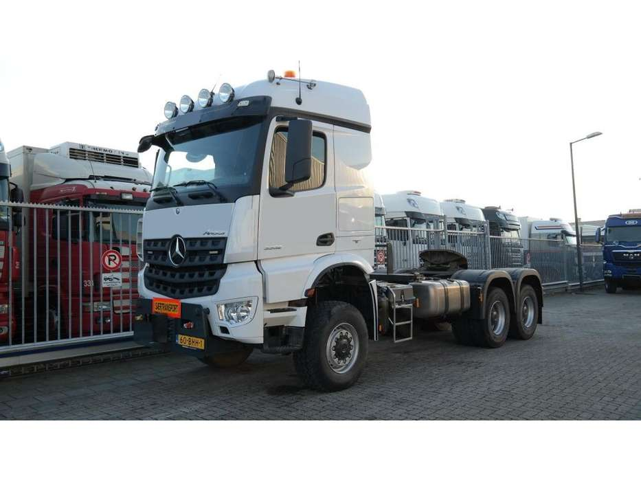 Mercedes-Benz AROCS 3352 180 tons push and pull HEAVY DUTY 6X6 EURO 6 9... - 2016 - image 9