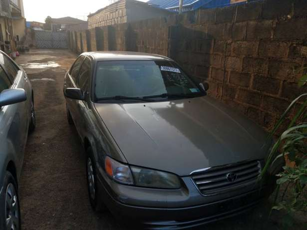 very clean Toyota Camry tiny lightTokunbo Lagos clear paid full duty Alimosho - image 4