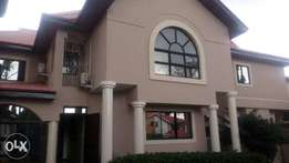 A nice 6 bedroom detached duplex with 2rm bq at wuse2 fct