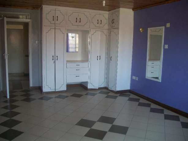 Beautiful 4 bedroom own compound with DSQ to let at Safaripark. Roysambu - image 6