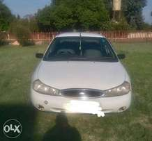 1800 Ford mondeo 2000