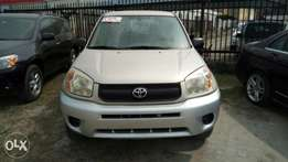 Clean Foreign Used 2005 Toyota RAV4 With Auto drive fabric Cold AC