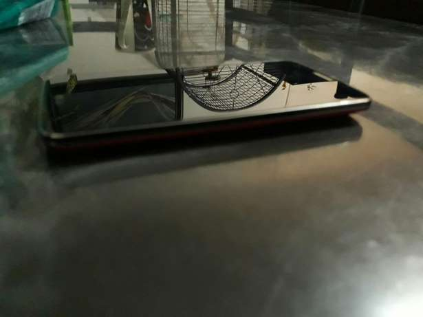 Lg G2 phone for sale with box and acc Brymore - image 8