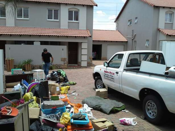 Hire a bakkie for all your moving today Johannesburg CBD - image 8