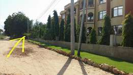 1/8 and 1/4 acre plots serena