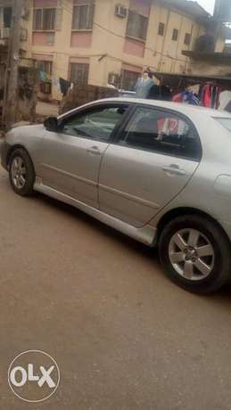 Clean Toyota Corolla Sport 2004 Surulere - image 4