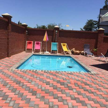Skyblue Pool Service: Swimming Pool Builders and Repairers Randburg - image 1