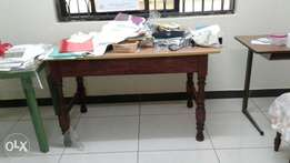 Quick sale 30×52 inches table