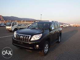 Toyota Landcruiser prado black colour 2011 sunroof leather very clean