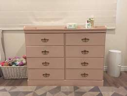 Baby changing compactum