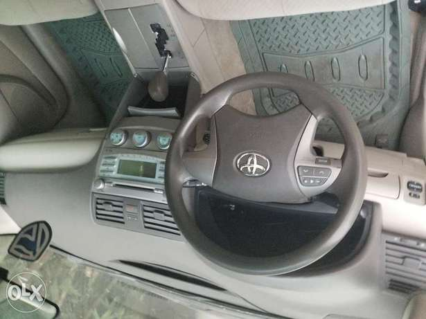 08 Toyota Camry LE ( First Body) Surulere - image 3