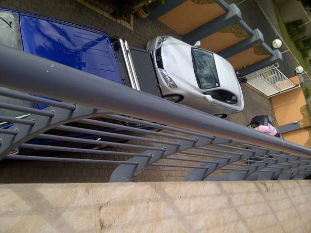 Lexus Is250 For Sale(60000 Km only) Durban North - image 7