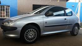 2006 Peugeot 206 1.4 3 door with only 103000kms Great condition!!