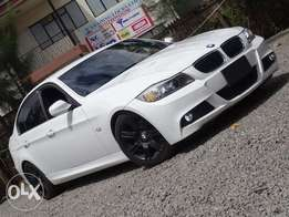 BMW 320i M Sport 2010 model pearl white colour excellent condition