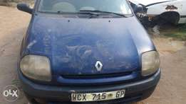 A 2002 fiat Clio body with gearbox for sale