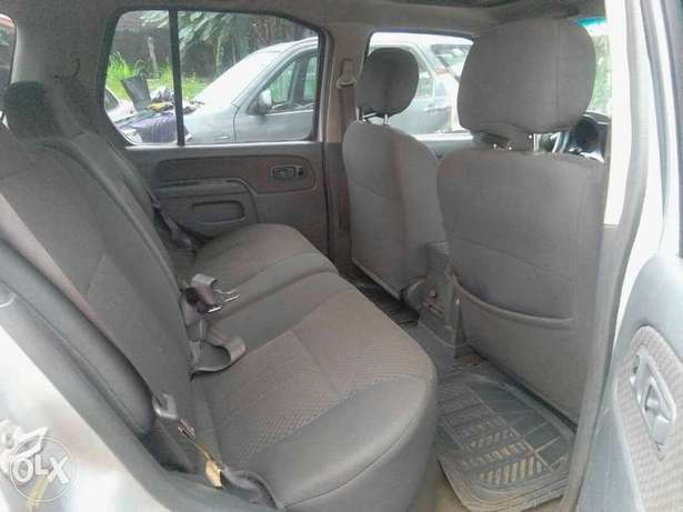 A very neat 2001 model Nissan Xtera Port Harcourt - image 3