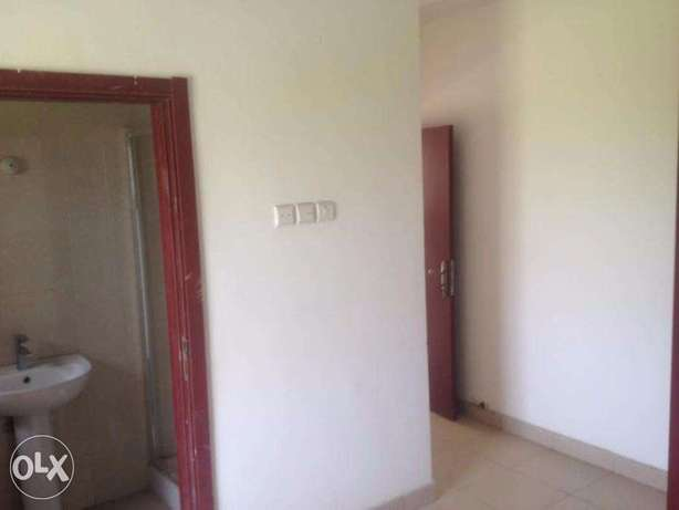 Top Notch 3 Bedroom Flat at Lekki Lagos Mainland - image 7