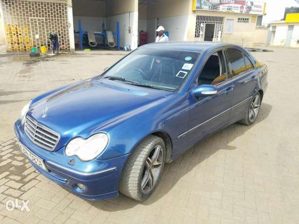 Mercedes Benz C 240 in good condition. Buy and drive Embakasi - image 2