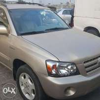 Just in a tokunbo Toyota highlander for sell
