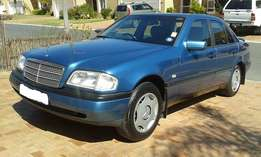 Mercedes-Benz C200 Classic A/T - Excellent Condition!!!