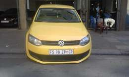 Vw polo We sale all kind of use car Vw polo 6 1.4 yello in color 2010