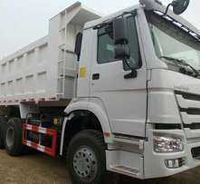 Twelve Tyres HOWO Tipper for sale