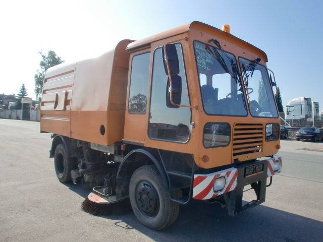 IFA KM 2301 (ID 8970)  road sweeper - 1989